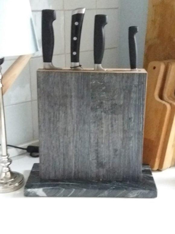 Messerblock Swatkiel beim Kunden in der Küche